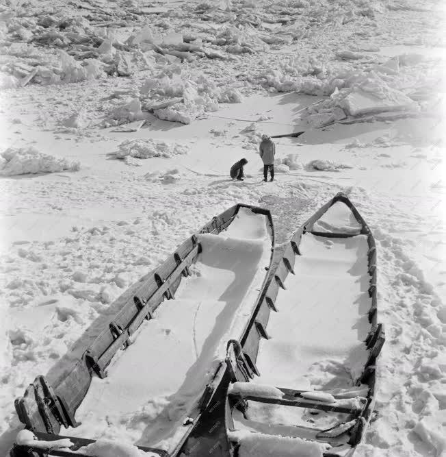 Szabadidő - Időjárás - A jeges Duna Paksnál