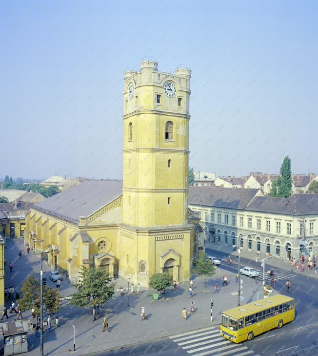 Városkép - A Csonka templom a Piac utcán