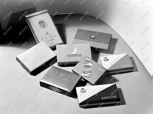 Gazdaság - Dohánytermék reklámja