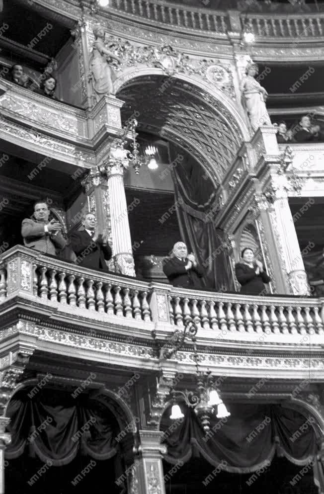Belpolitika - MSZT-kongresszus