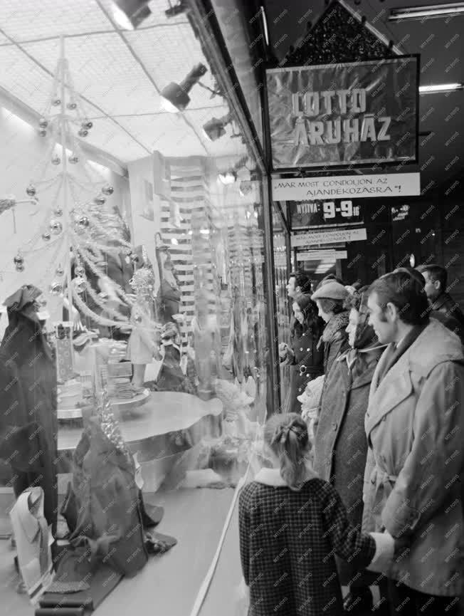 Városkép-életkép - Karácsonyi kirakatok