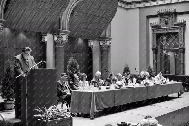Kultúra - A Magyar Irók Szövetségének közgyűlésén