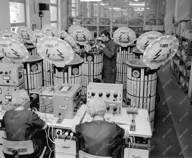 Hírközlés - Telefongyár - Ellenőrző berendezések