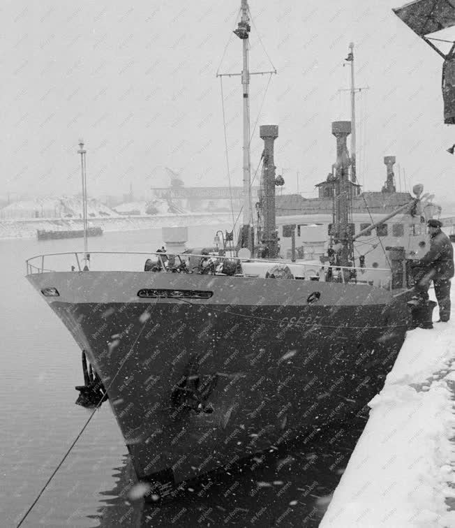 Közlekedés - Hazaérkezett a Csepel Duna-tengerjáró hajó