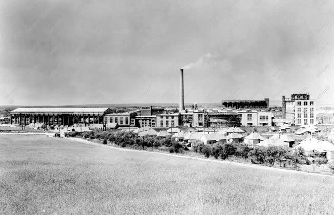 Ipar - Az ajkai Timföldgyár és Alumíniumkohó
