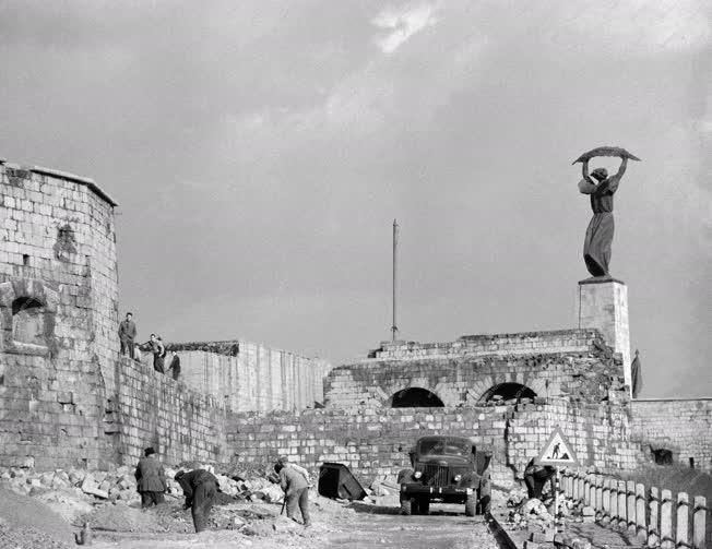 Városkép - Budapest - A Citadella romtalanítása