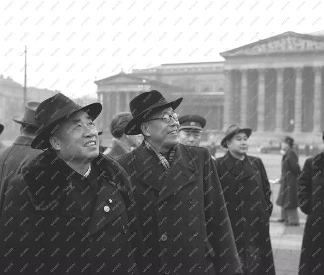 Külkapcsolat - A Kínai Népköztársaság kormányküldöttsége hazánkban