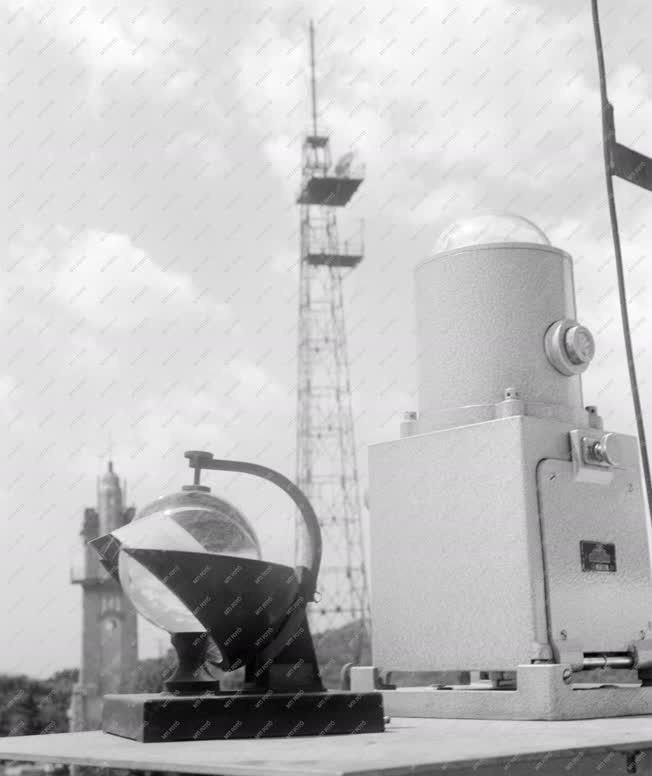 Tudomány - Meteorológia - Obszervatórium a Misina tetőn