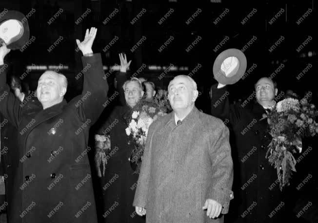 Külpolitika - Szovjet küldöttség Budapesten