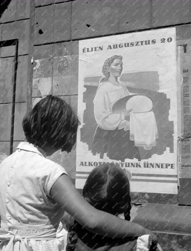 Budapesti képek - Augusztus 20-i plakát