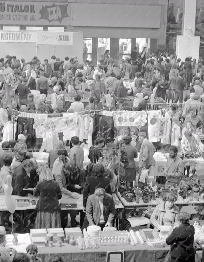 Kereskedelem - Kézművesvásár