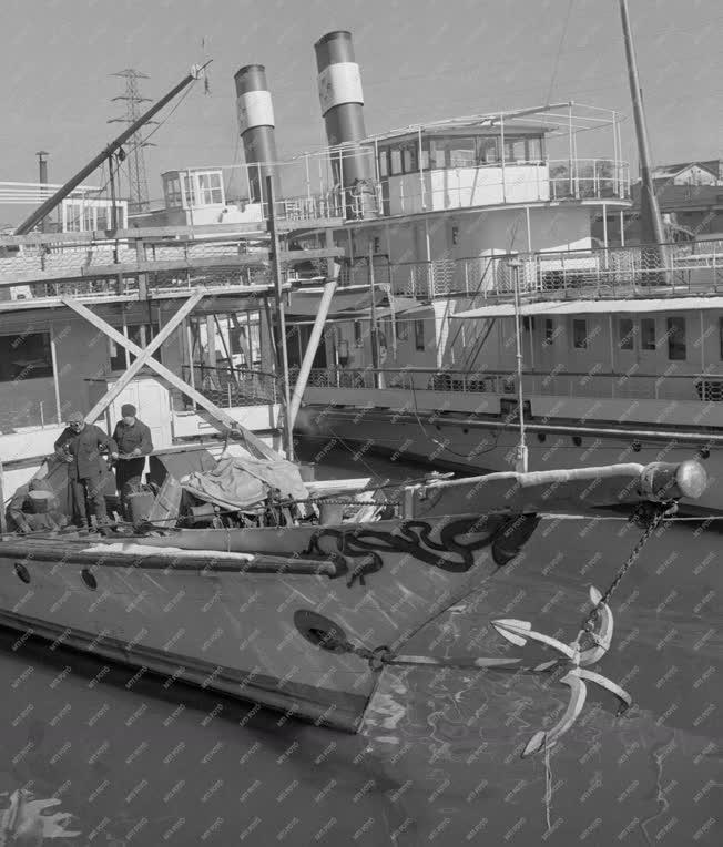 Közlekedés - MAHART Hajójavító üzem