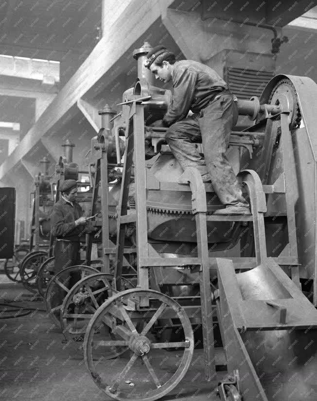 Ipar - Gépgyártás - Betonkeverő gépek gyártása