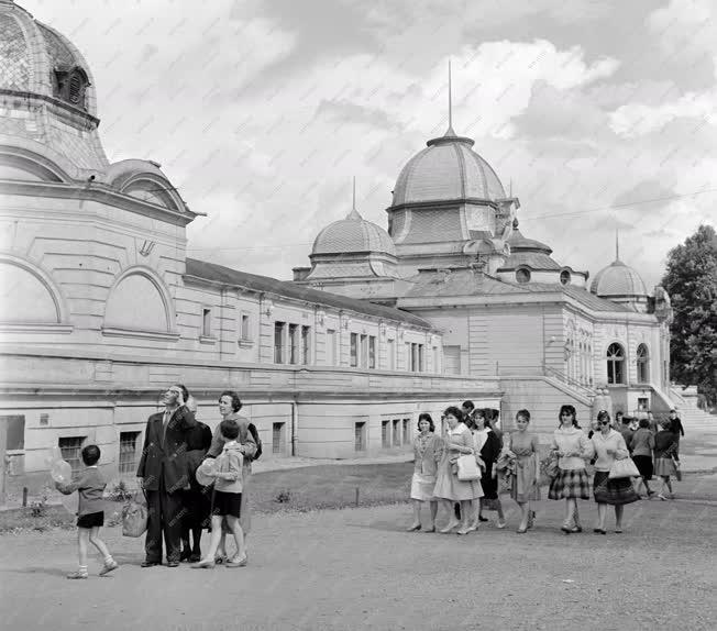 Ipar - Kereskedelem - Budapesti Ipari Vásár