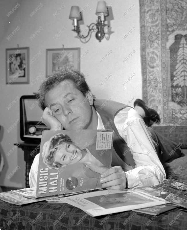 Személy - Kállai Ferenc