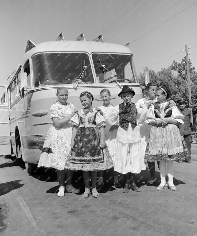 Közlekedés - Autóbusz közlekedés