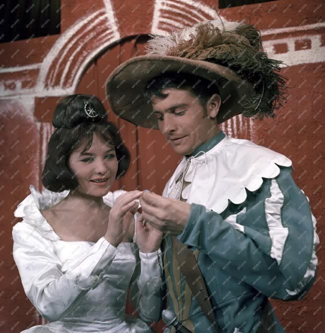 Színház - William Shakespeare: Minden jó, ha jó a vége