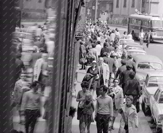 Városkép-életkép - Belvárosi forgalom