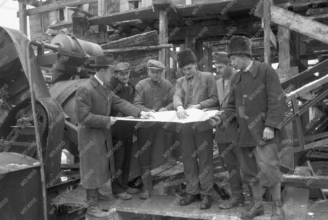 Ipar - Építőipar - Sztahanovisták