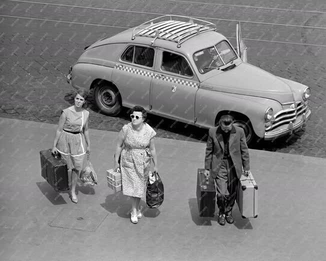 Személyszállítás - Taxi