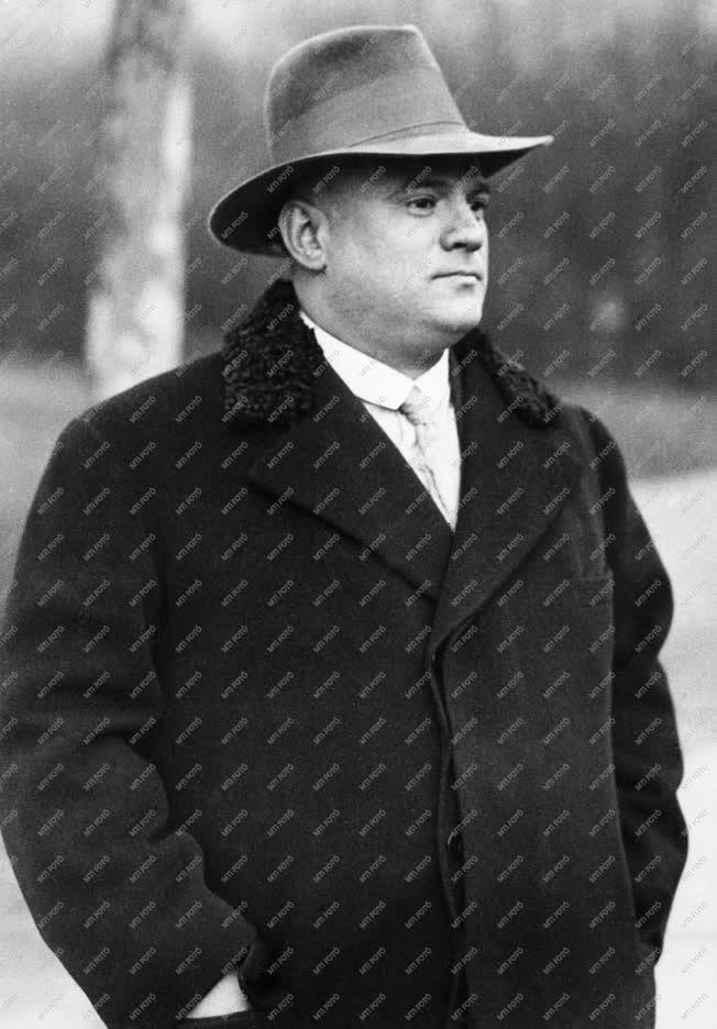 Sport - Komjádi Béla