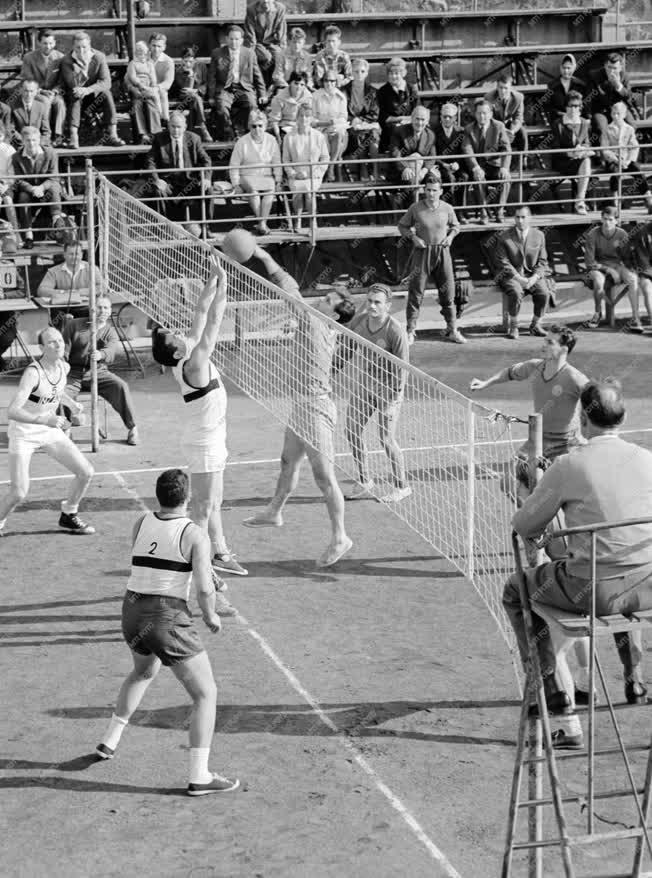 Sport - Vasas - Olasz Szakszervezeti válogatott röplabda mérkőzés
