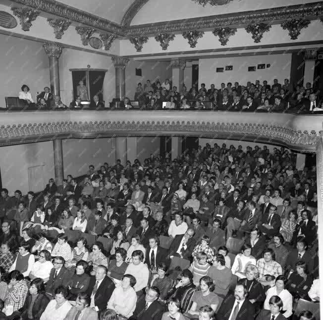Film - Szovjet Filmek Fesztiválja - Díszelőadás a Puskin moziban