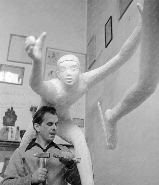 Kultúra - Szebényi Imre szobrászművész