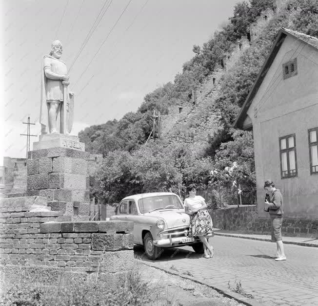 Turizmus - Üdülés a Duna-kanyarban
