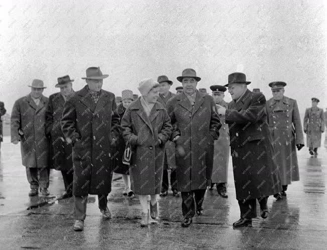 Külkapcsolat - Leonyid Iljics Brezsnyev átutazóban Budapesten