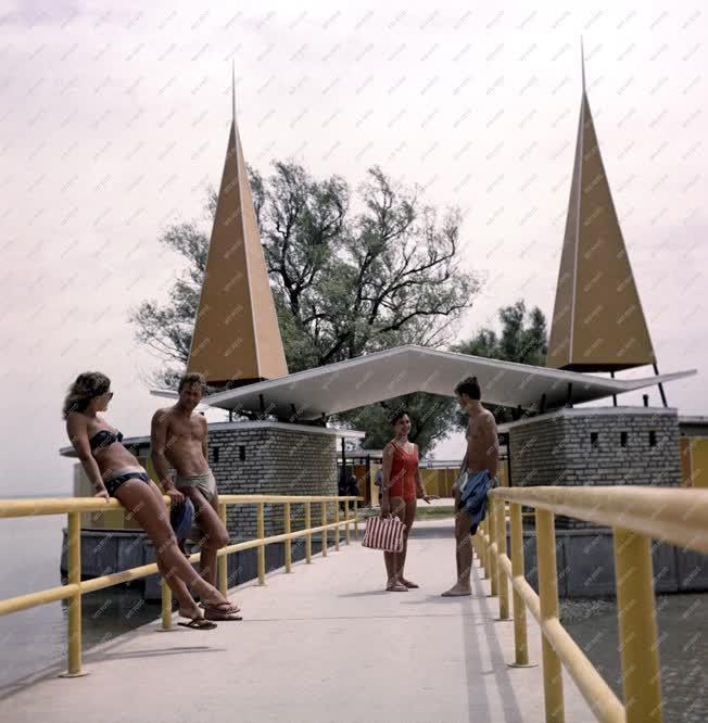 Nyár - Balatoni strand