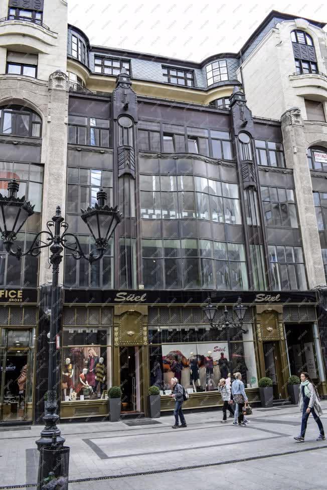 Városkép - Budapest - Deák Ferenc utca