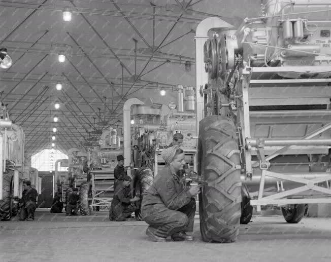 Ipar - Első Magyar Gazdasági Gépgyár