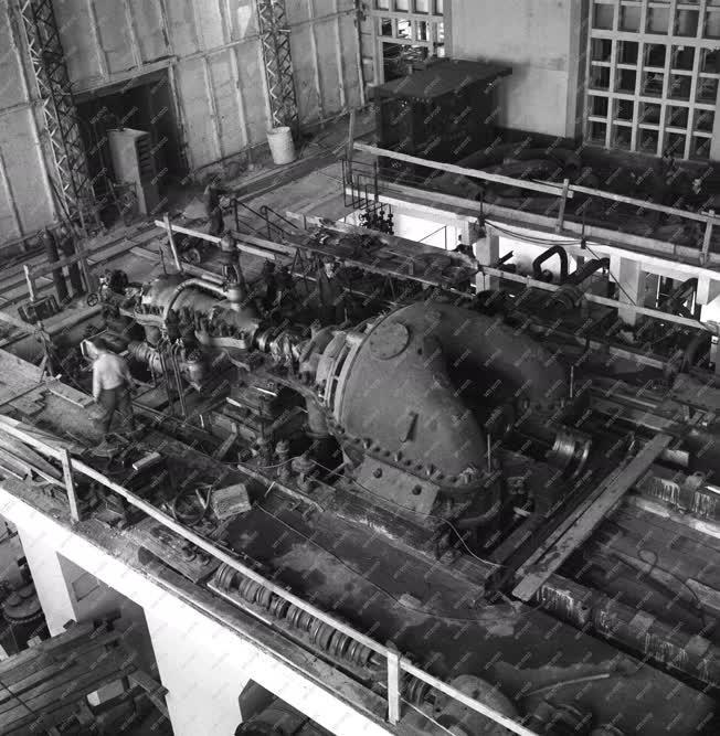 Energia - A Pécsi Hőerőmű új turbinája