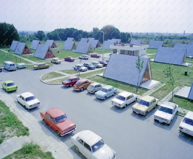 Életkép - Szabadidő - Zalakarosi bungalótelep