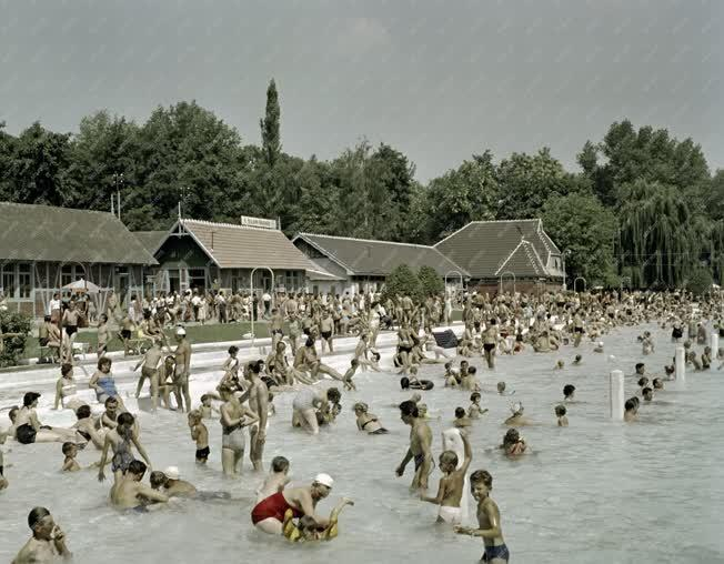 Szabadidő  - Miskoctapolcai Strandfürdő