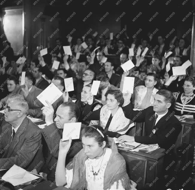 Belpolitika - Külkapcsolat - Résztvevők az MSZT kongresszusá