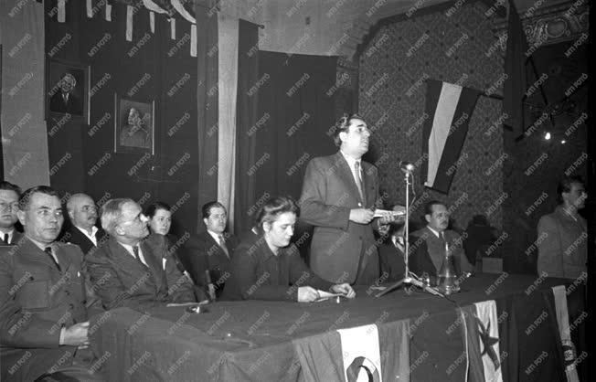 Belpolitika - A Függetlenségi Népfront megalakulása