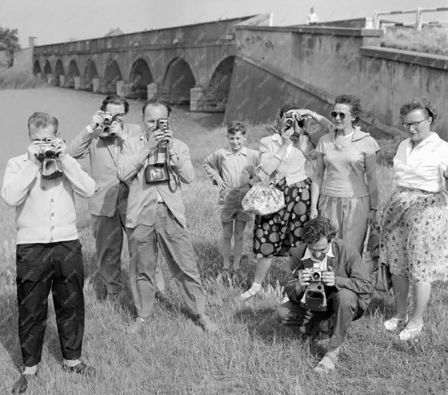 Idegenforgalom - Turisták a Hortobágyon