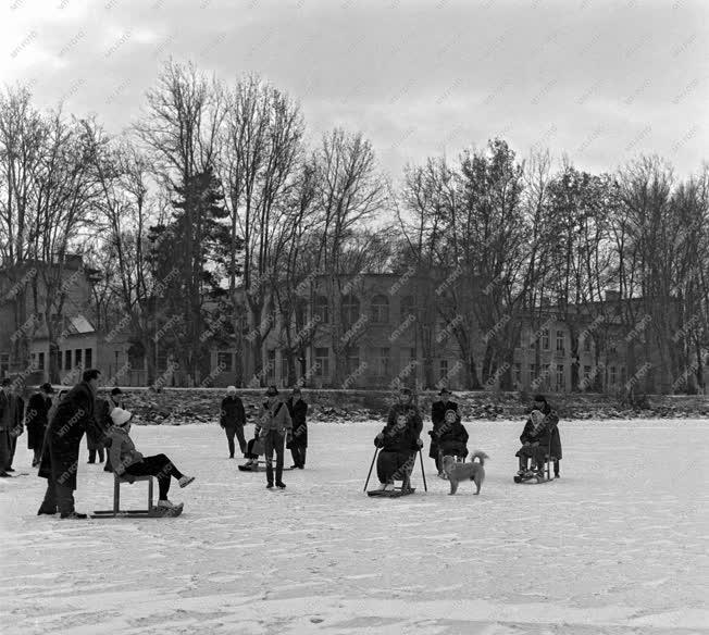 Szabadidő - Tél a Balatonon