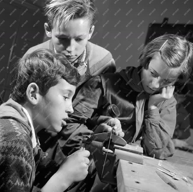 Oktatás - Politechnikai oktatás a Telepes utcai iskolában