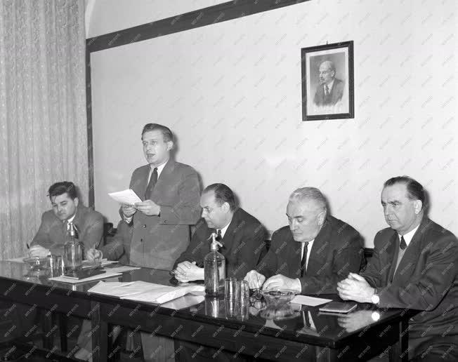 Sport - Az Országos Ifjúsági Sportbizottság alakuló ülése