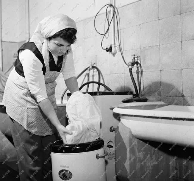 Háztartási munka - Törpemosodák a lakóházakban