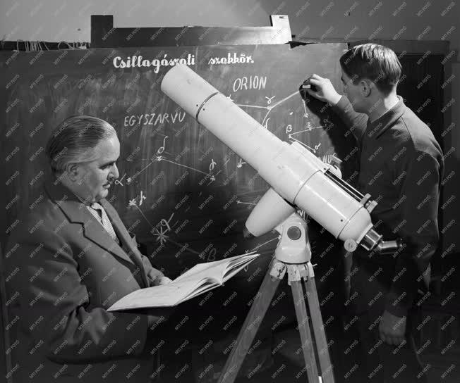 Szabadidő - Csillagászati szakkör Kaposvárott