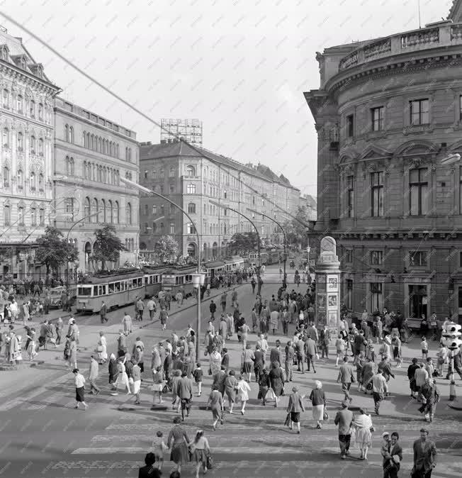 Városkép - Budapest - Blaha Lujza tér