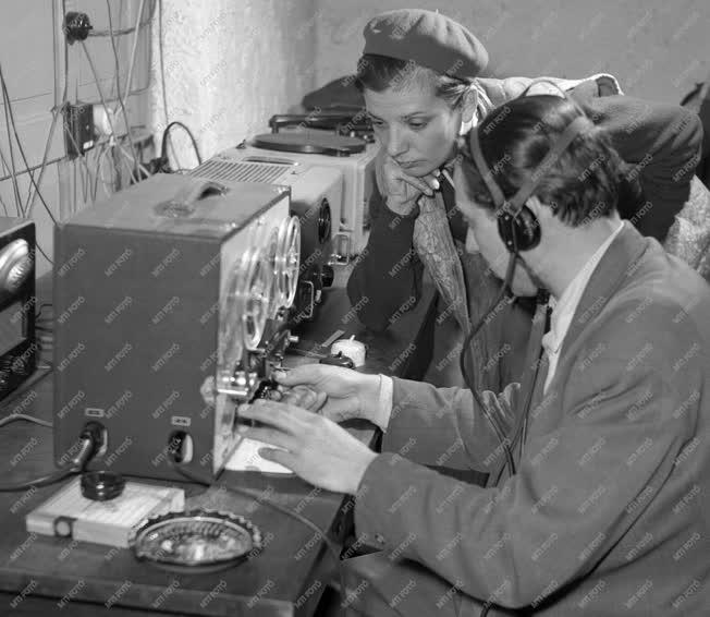 Kultúra - Új rádióstúdió Dunapentelén