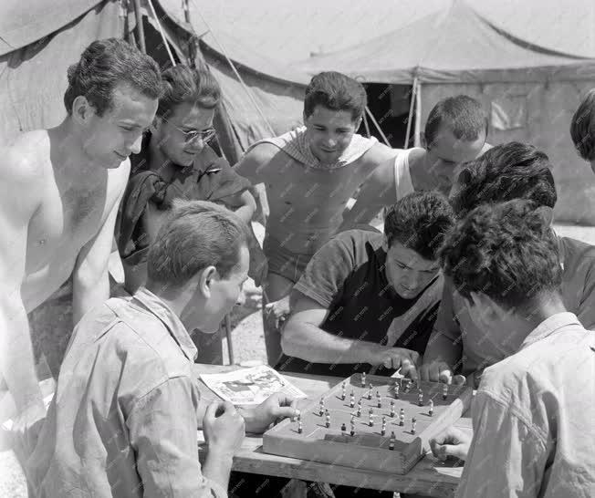 Vakáció - Kazincbarcikai ifjúsági építőtábor