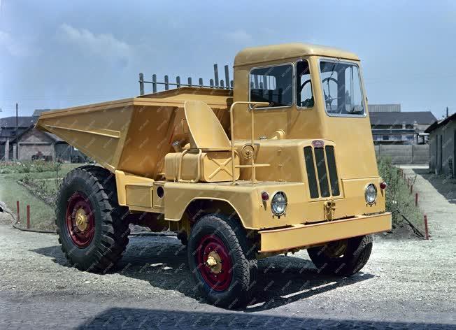 Ipar - Járműgyártás - Vörös Csillag Traktorgyár