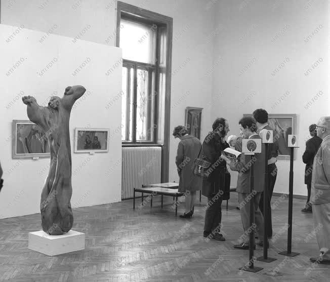 Kultúra - Fiatal művészek kiállítása a Műcsarnokban