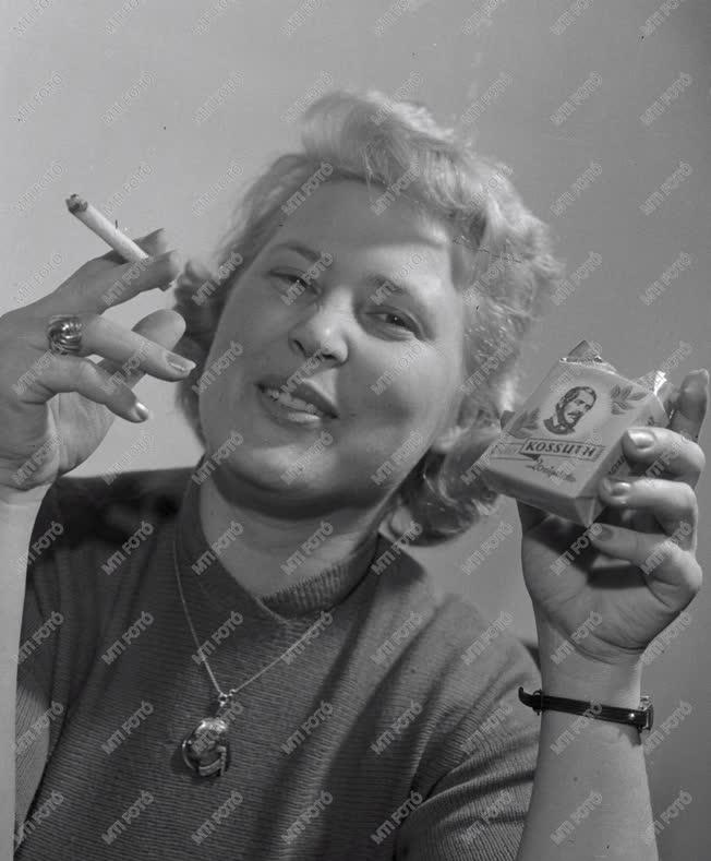 Ipar - Dohányipar - Kossuth cigaretta